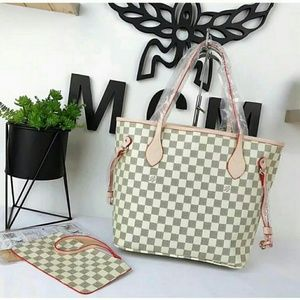 Neverfull Louis Vuitton nice quality